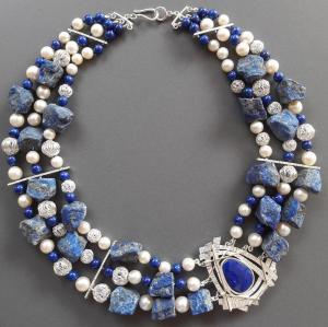 Topstuk met parels van moeder met Lapis Lazuli
